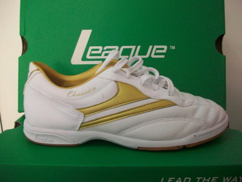 LEAGUE CLASSICO – white/gold | SEPATU BOLA | SEPATU FUTSAL