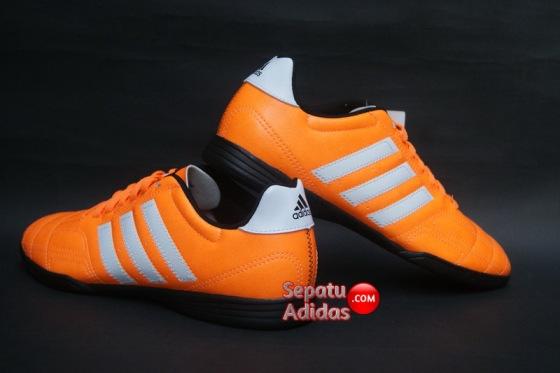 ADIDAS GOLETTO IV IN Solzes-White-Black-back.heel