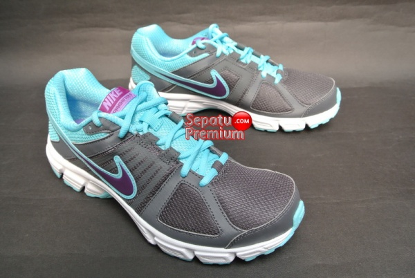 NIKE WOMENS DOWNSHIFTER 5 MSL Grey-Grape-Volt-White-standing