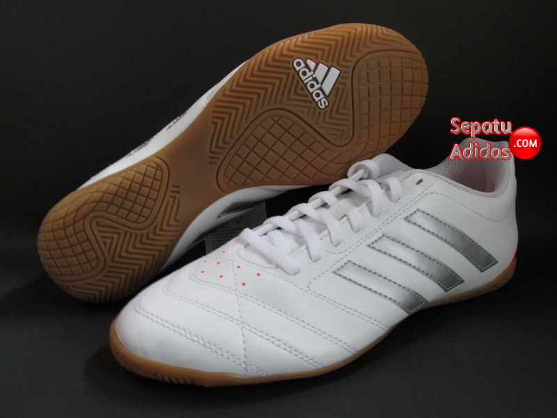 ADIDAS GOLETTO V IN White Silver Red